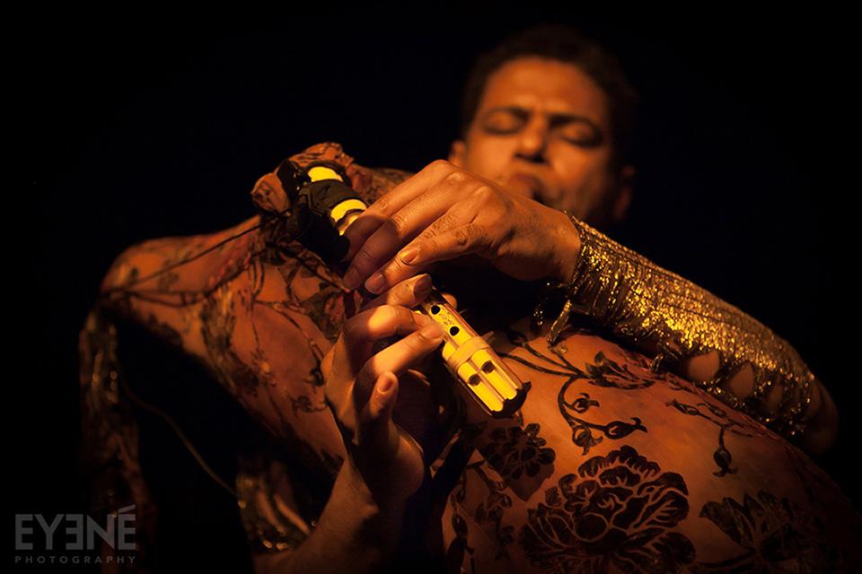 Saeid Shanbehzadeh performing live at Revival Bar, Toronto, Canada. Photo: Saman Aghvami/ EYENÉ